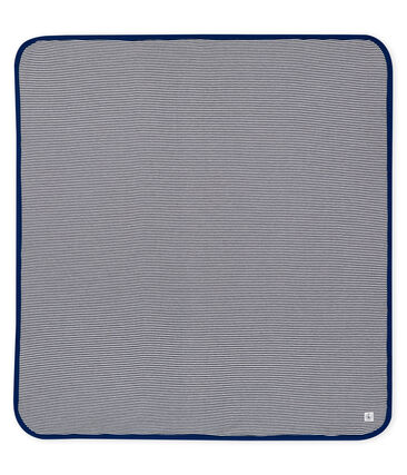 Blanket with anti-electromagnetic wave protection.